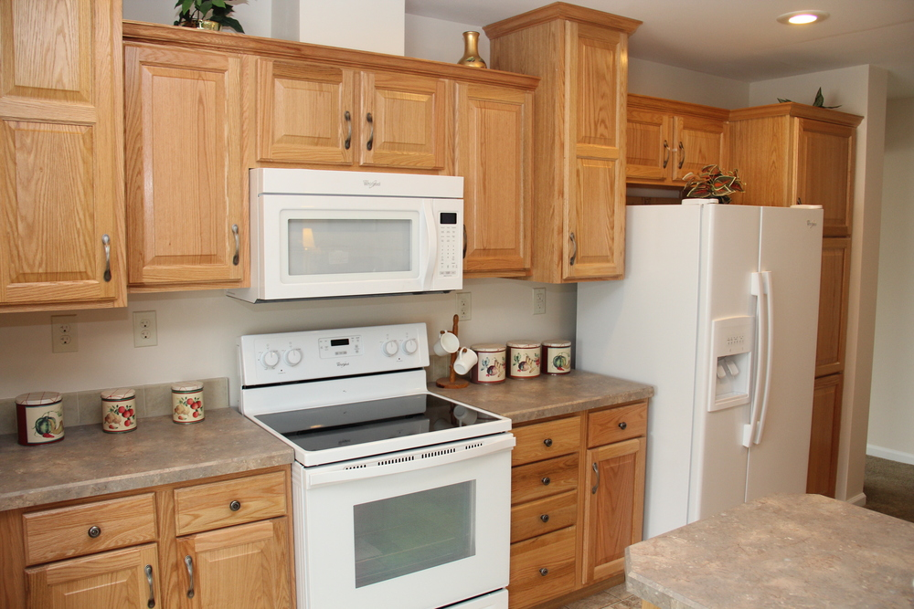 Range Area of Kitchen (Shown in Natural Oak)