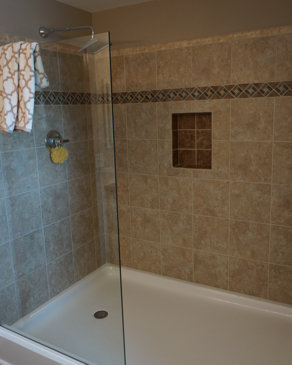 Baths pleasant valley homes opt ceramic tile shower dailygadgetfo Choice Image