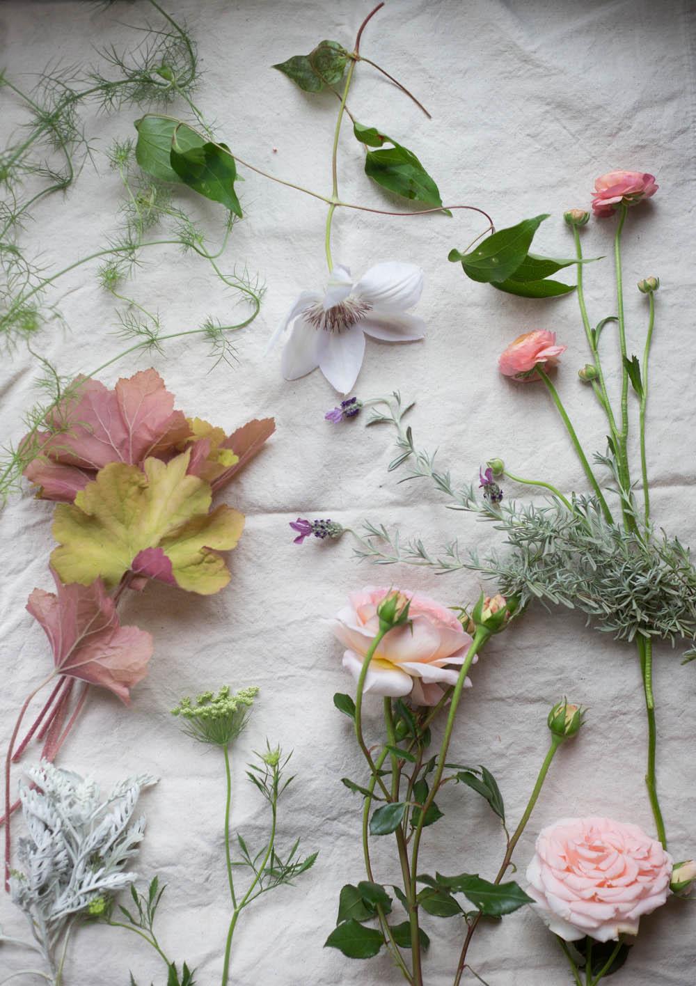 constructing a bouquet-8827.jpg