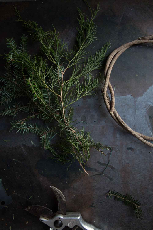 simple wreath DIY-201412096215.jpg