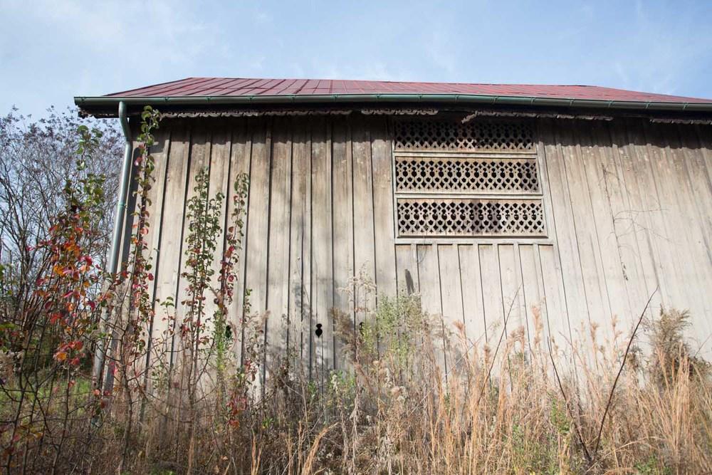 graves_barn-201412030619.jpg