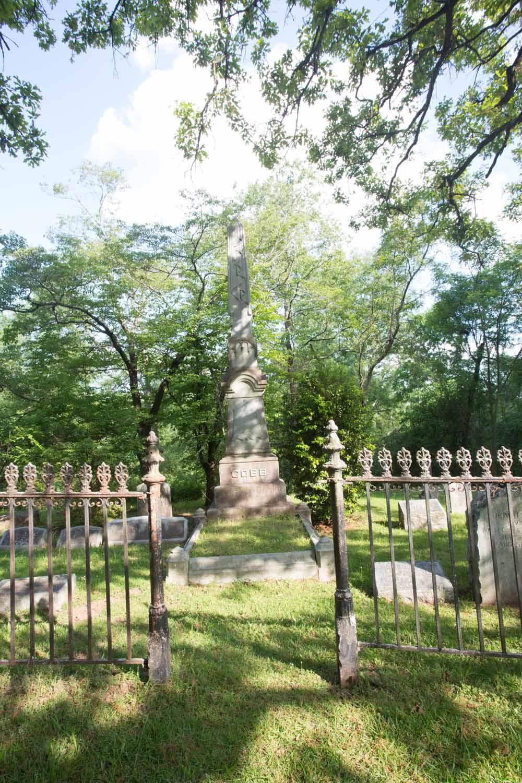oconee hill cemetery-201505068302.jpg