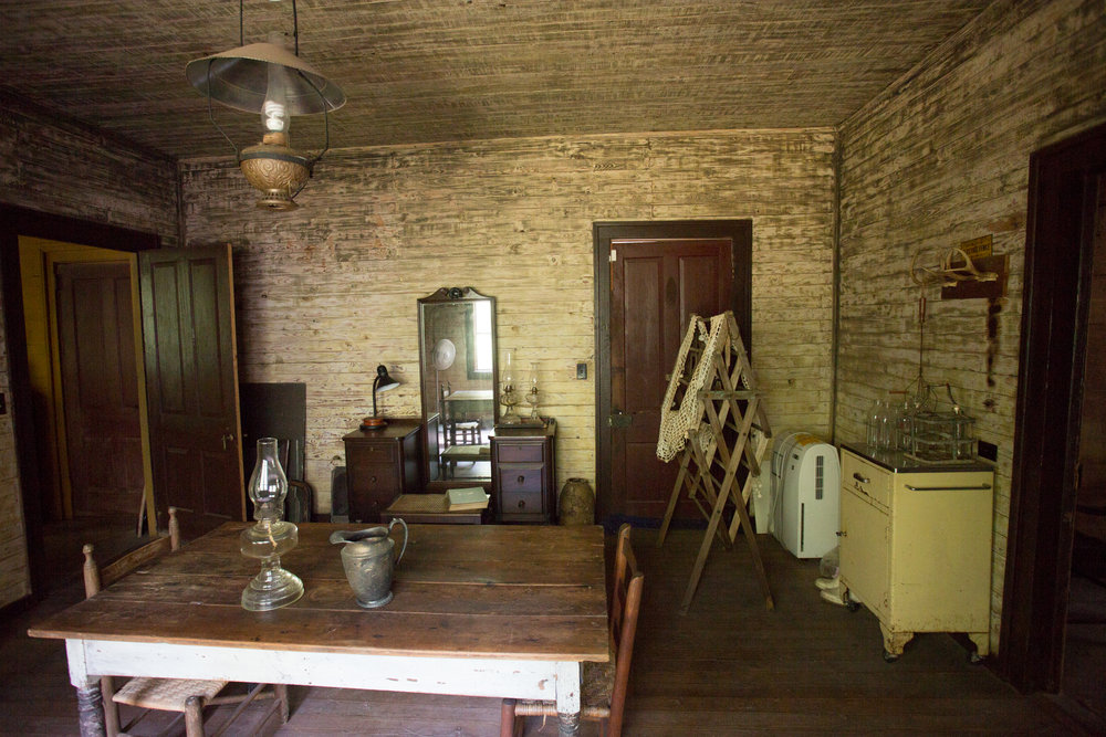 devils pond house_middle room 4.jpg