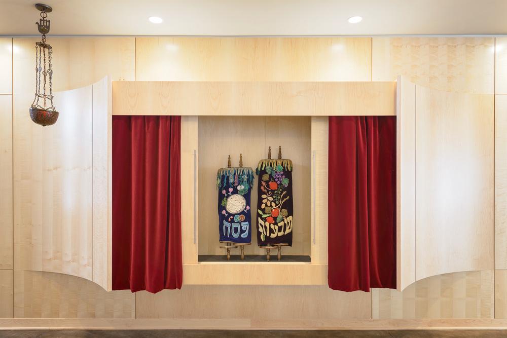 Isenberg_Synagogue_012014_07.jpg
