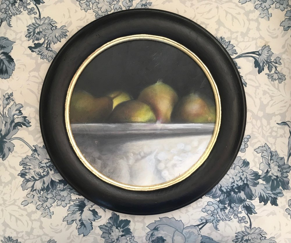Pears in the Round