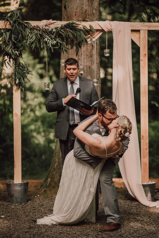 PortlandWedding_Emotional_SpokaneWeddingPhotographer_0025.jpg