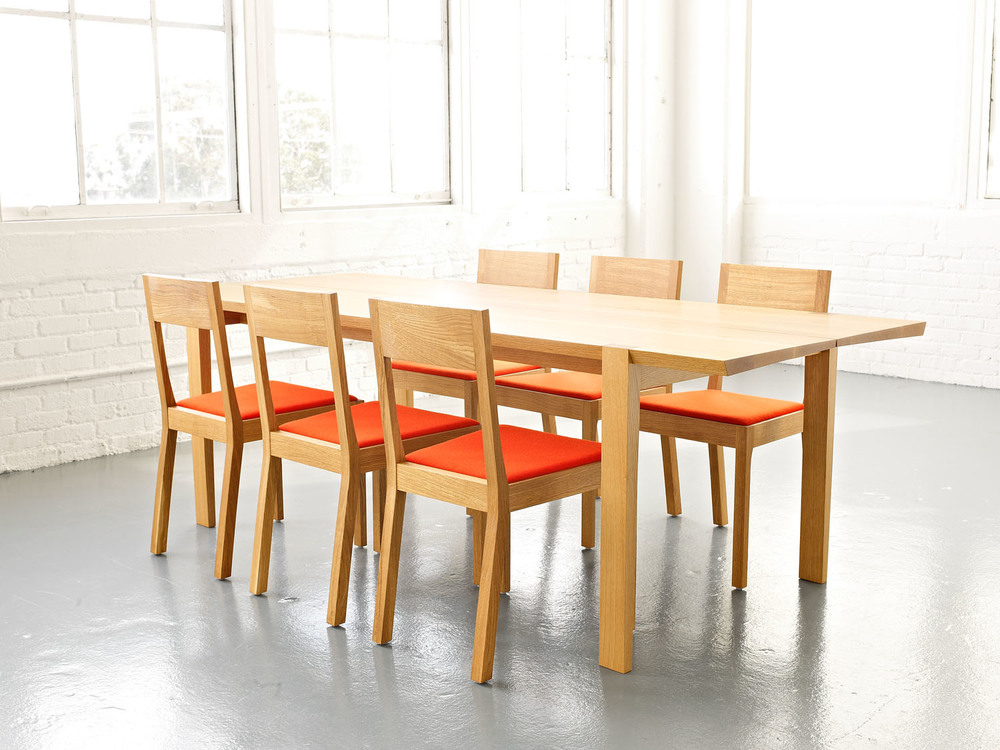 dining_table_002.jpg