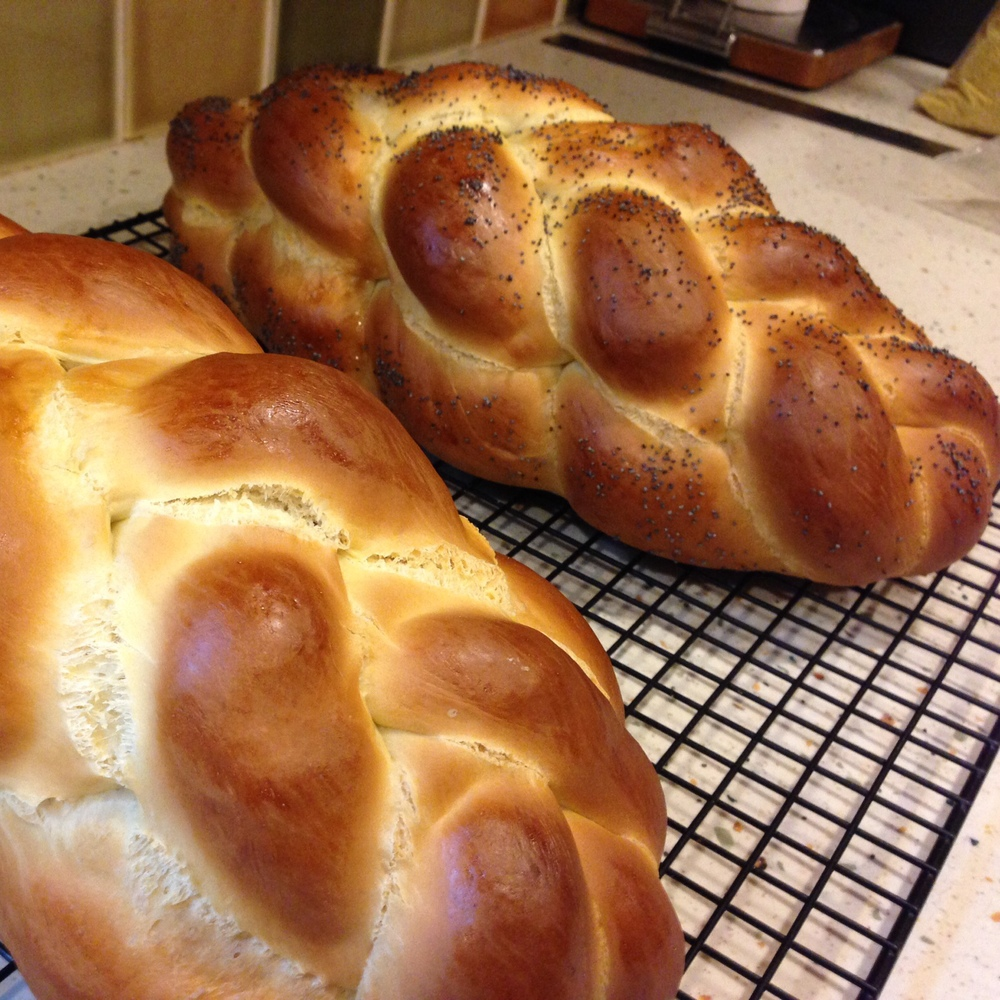 This is how the challah looks when it's NOT squashed by the oven.