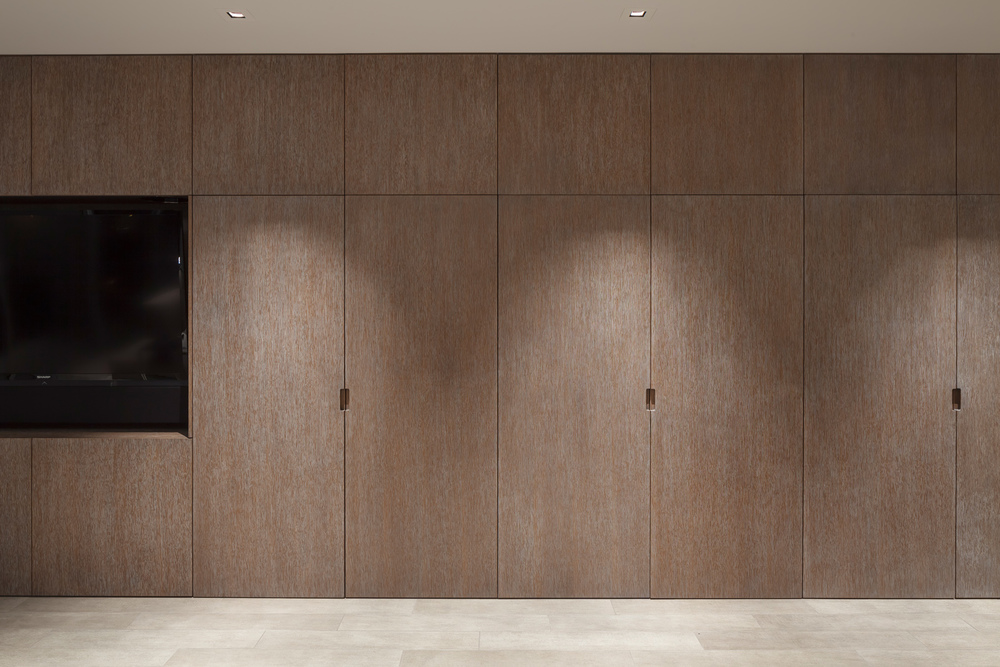 Chestnut_Living_Cabinets_Closed_6965.jpg