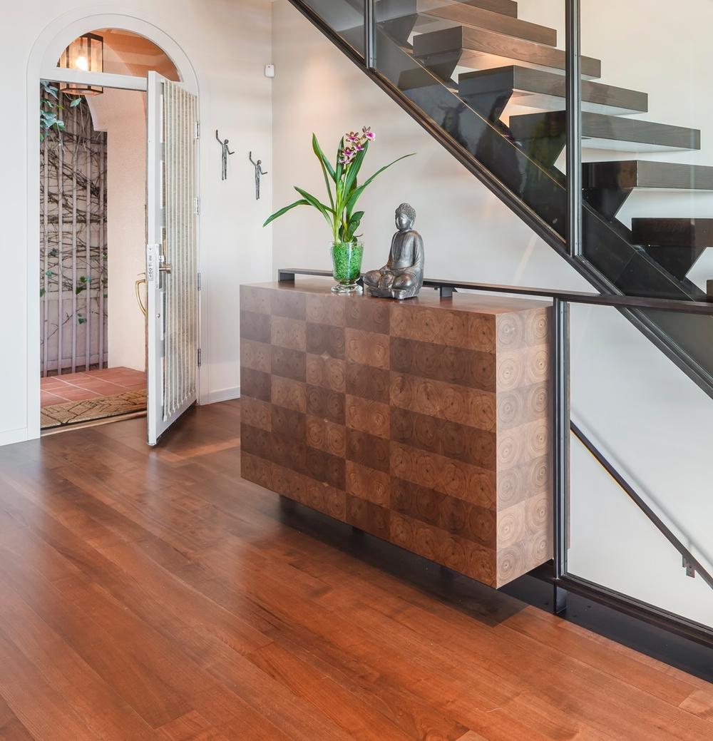 Entry_Stairway_3455.jpg