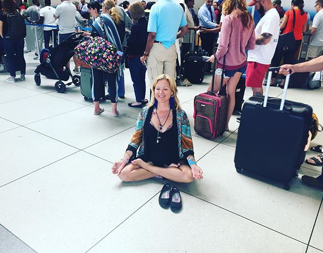 Lines for days....I should be in San Francisco by now but American Airlines has a different idea for me. Hoping to make it back tonight with enough time to make @hash_house_harriers !! (But still rocking my @templerosf  kimono!!) #zeneverywhere #yogaeverywhere #yoginiontheloose #yogalife #yogisofinstagram