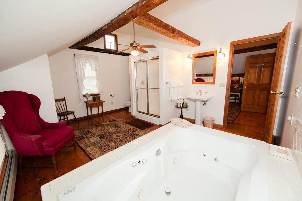 Southlake Bath w/Jacuzzi Tub