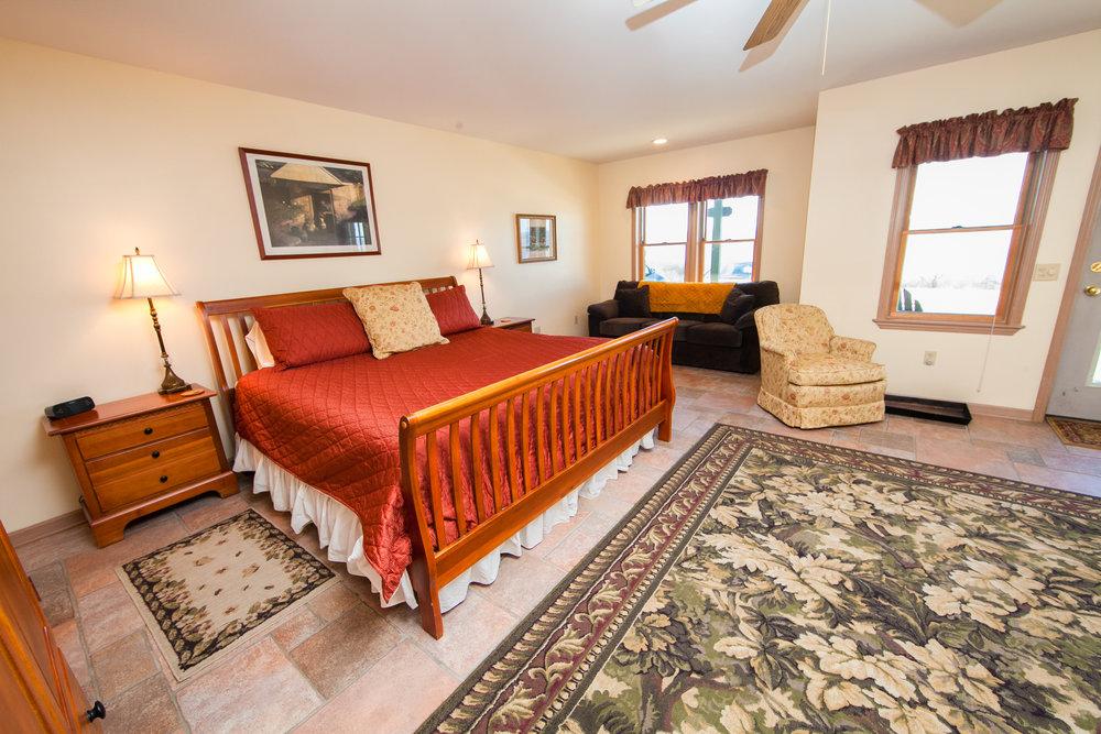 Carriage House King Bedroom w/Sleeper Sofa