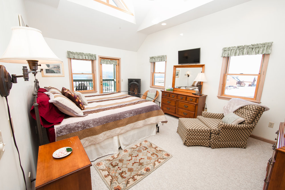 Cedar Heights King Bedroom