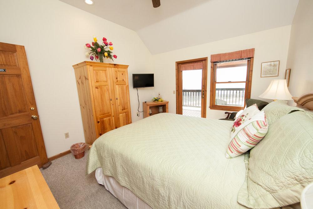 Hummingbird Queen Bedroom