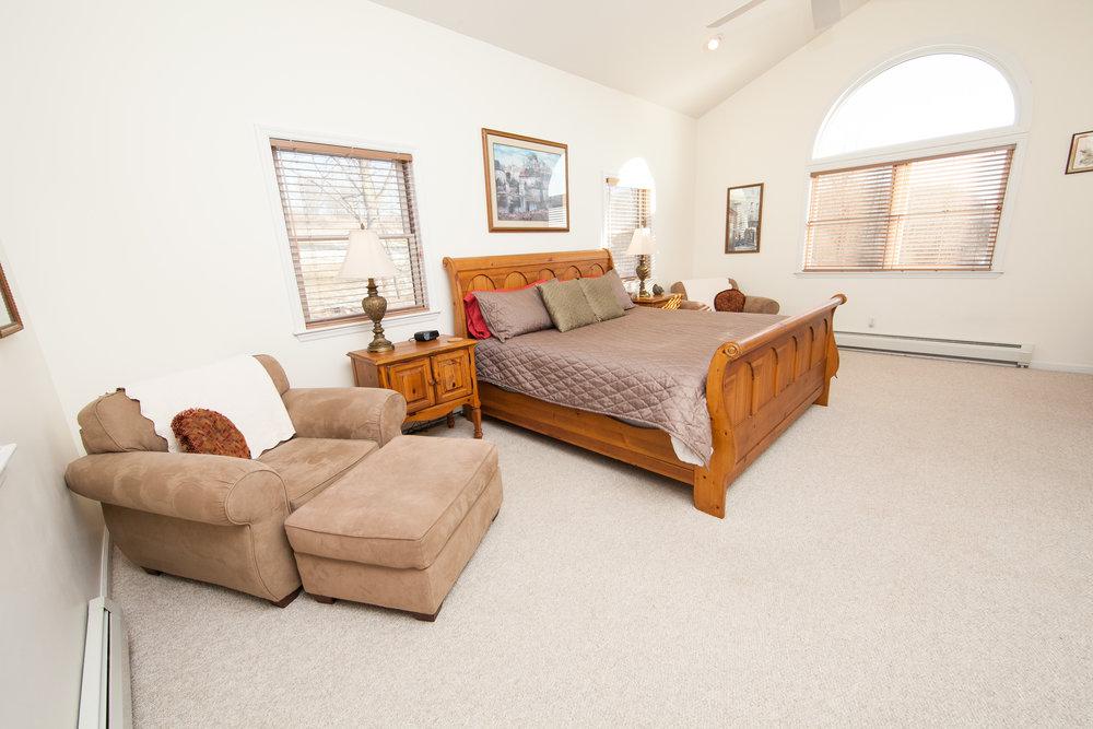 Skyview King Bedroom
