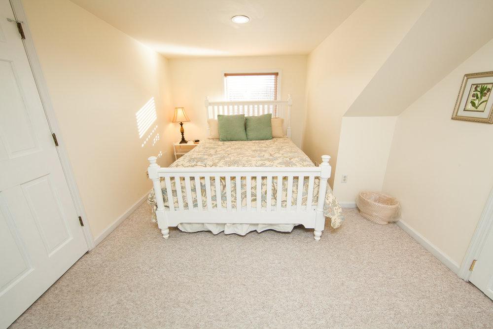 Skyview Queen Bedroom