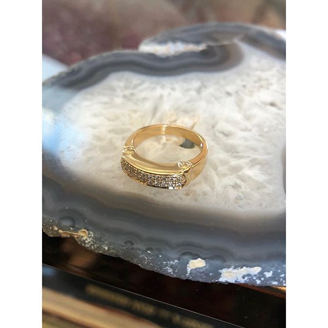 Legend Signet with pavé diamonds 💎  All of these babies are currently in Snowmass at #woodlandpopup !! Or you can order yours today for a New Year treat! • #1533jewelry #1533 #jewelry #gold #14kgold #14k #diamonds #diamondpave #showmeyourrings