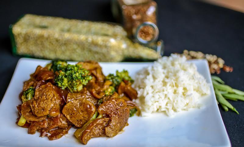 Lika beef and broccoli with rice.jpg