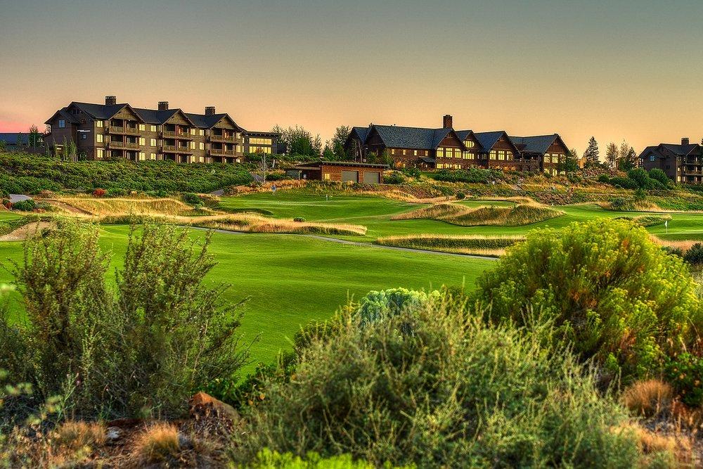 Resort_Golf-Course-Side_Rangeorshort-game-vantage.jpg