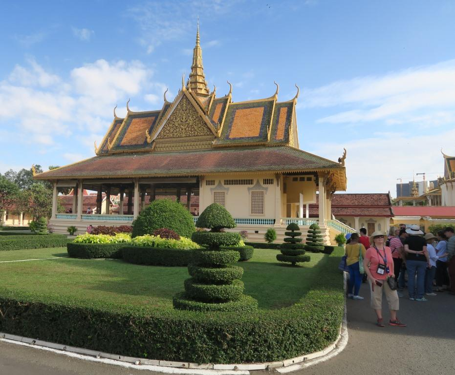 Royal Palace Cambodia 1.jpg
