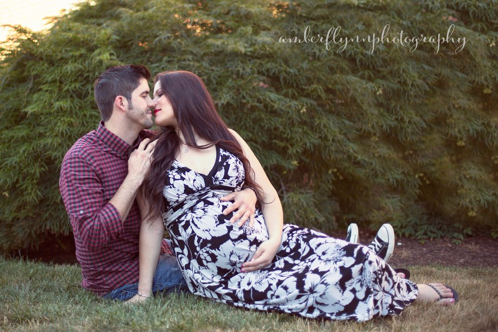 Couples Maternity shoot with Amber Flynn Photography