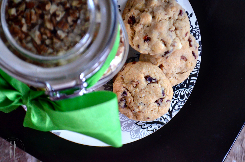 Cookies in a jar and mix
