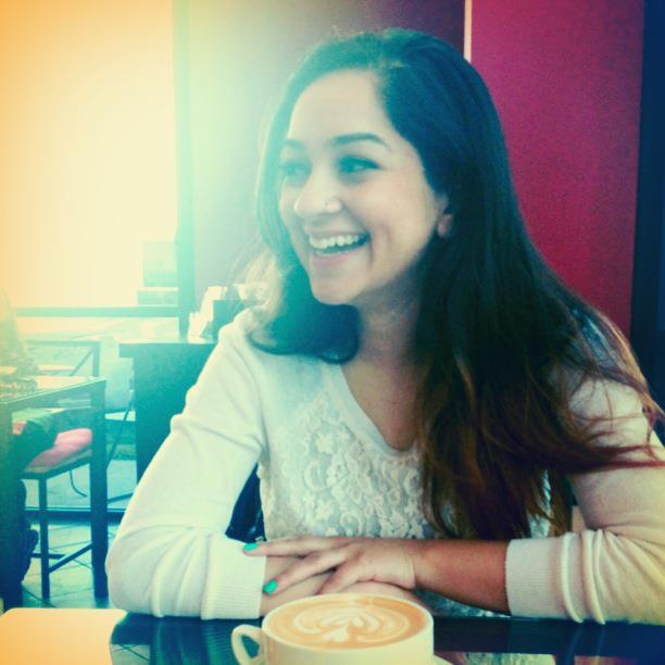 Saniya-Husain-Photographer-Graphic-Designer
