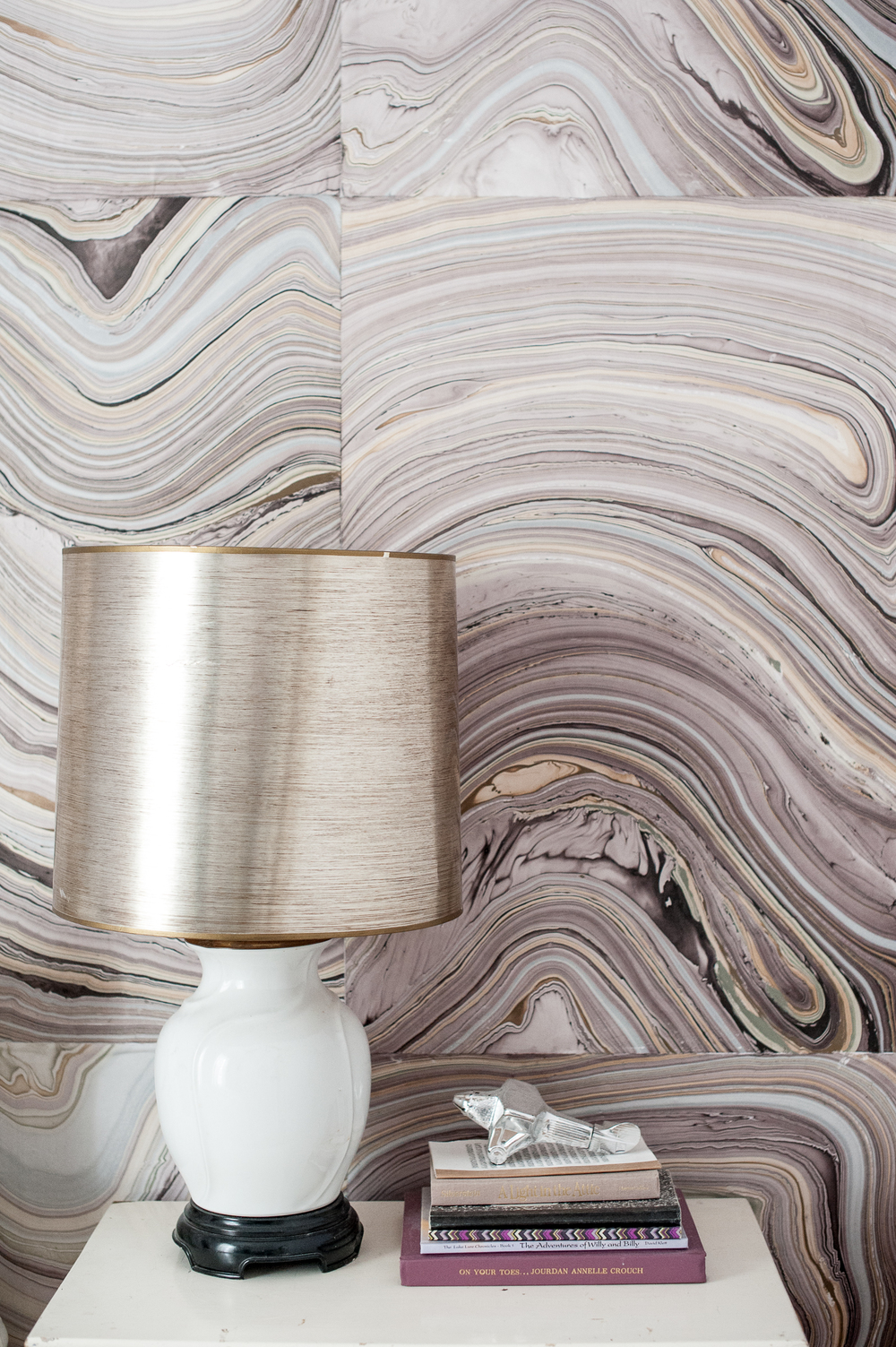 Jourdan Fairchild is a crafty lady. See here: She decoupaged her bedroom walls with marbled paper.