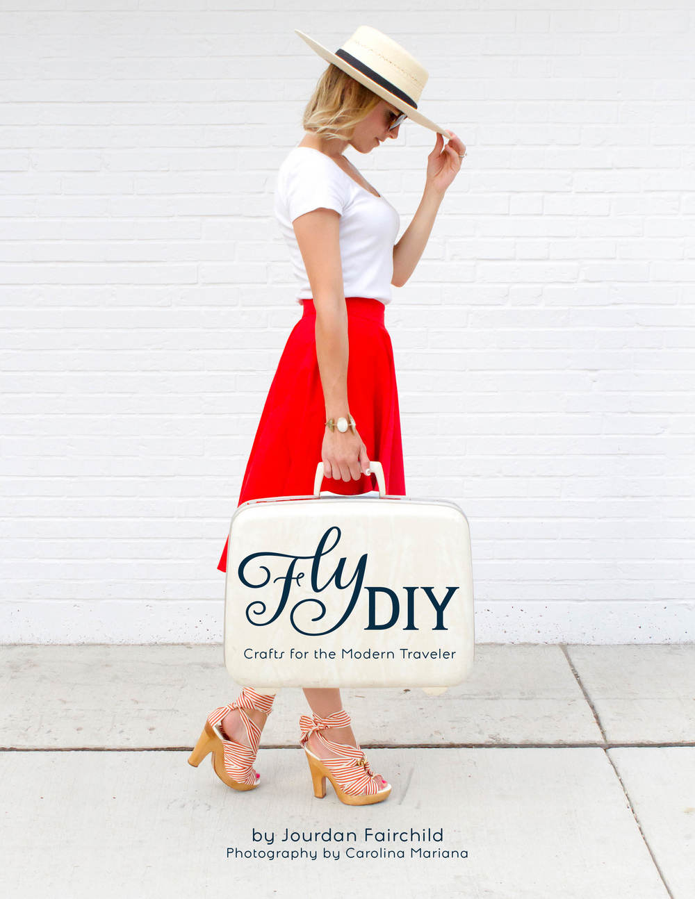 Fly DIY e-book #giveaway! Ends 8/20. | www.paperplatesblog.com