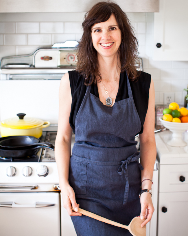 Yummy Supper author Erin Scott dishes on her favorite foods and books. | www.paperplatesblog.com