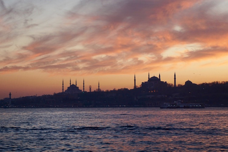 The Blue Mosque and Hagia Sofia against the sunset | www.paperplatesblog.com