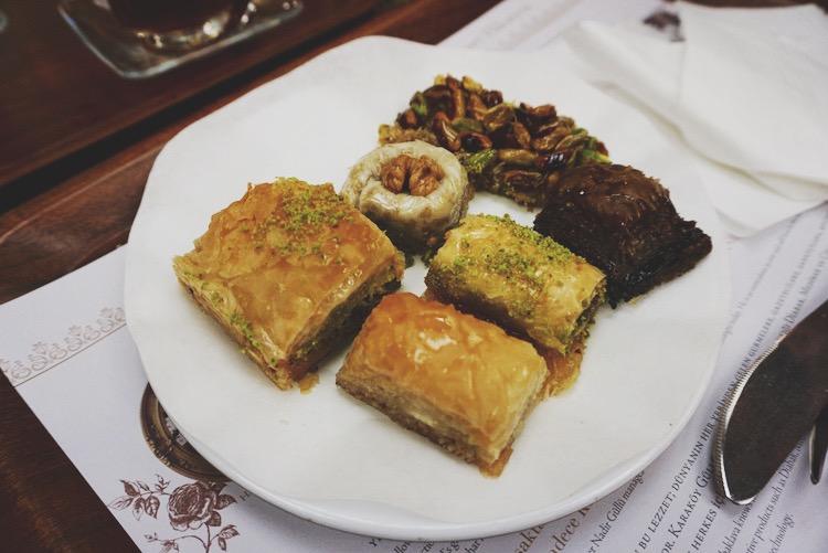 Istanbul food diary - Gulluoglu
