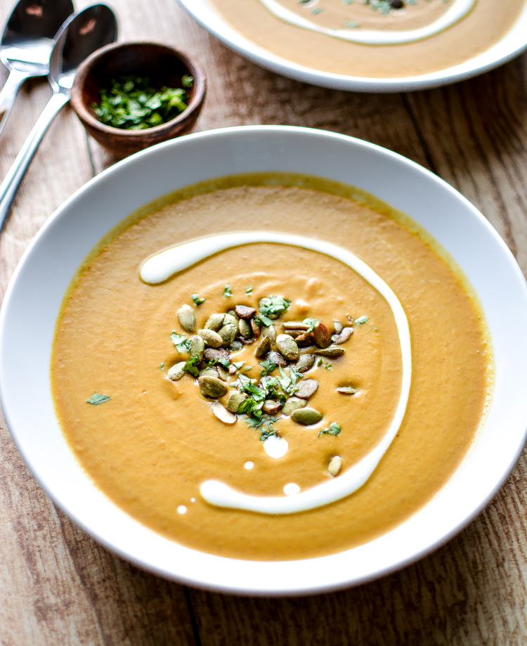 Spicy and Creamy Pumpkin Soup via @jalanesulia