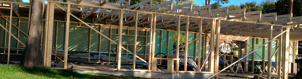 BYG & DESIGN - Privat: Tømrer og snedker, ombygning og tilbygning, renovering af bolig og sommerhus, træterrasse og nyt tag, vinduer og døre