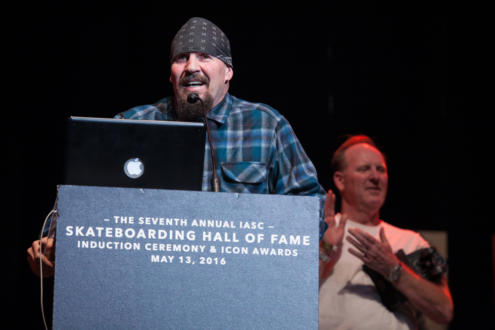 Mike Muir gives a speech as Suicidal Tendencies received the ICON Award