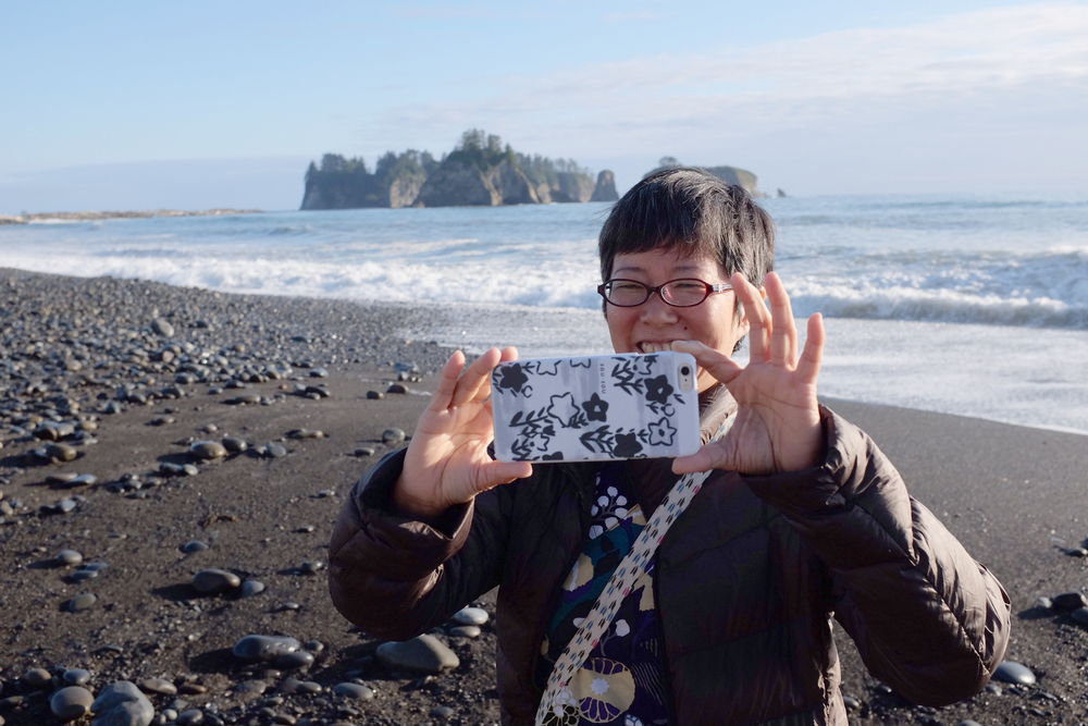 Everybody taking pictures of each other at Rialto Beach, Olympic National Park.  Photograph by Shishido.