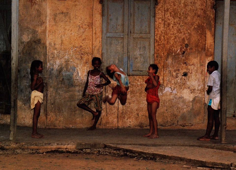 children jumping rope, madagascar 1997