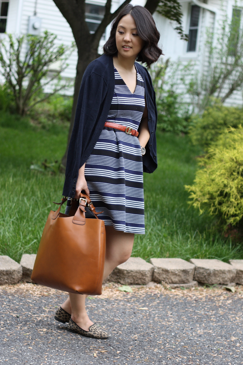 dress: madewell (similar  here ), cardigan: borrowed, belt: thrifted, bag: zara, shoes: target