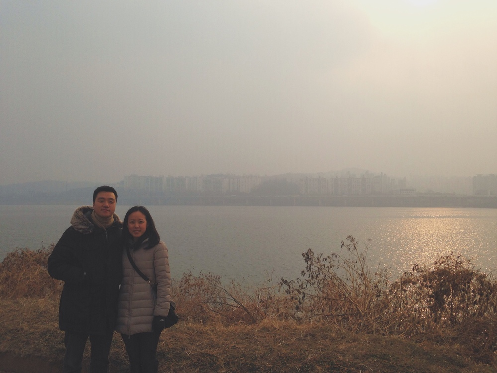 A brisk walk with J&J along the Hangang