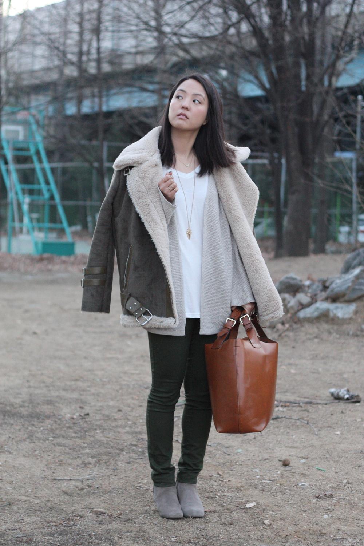 Cardigan: Brandy Melville, Tee: Brandy Melville, Pants: H&M, Shoes: Dolce Vita, Bag: Zara