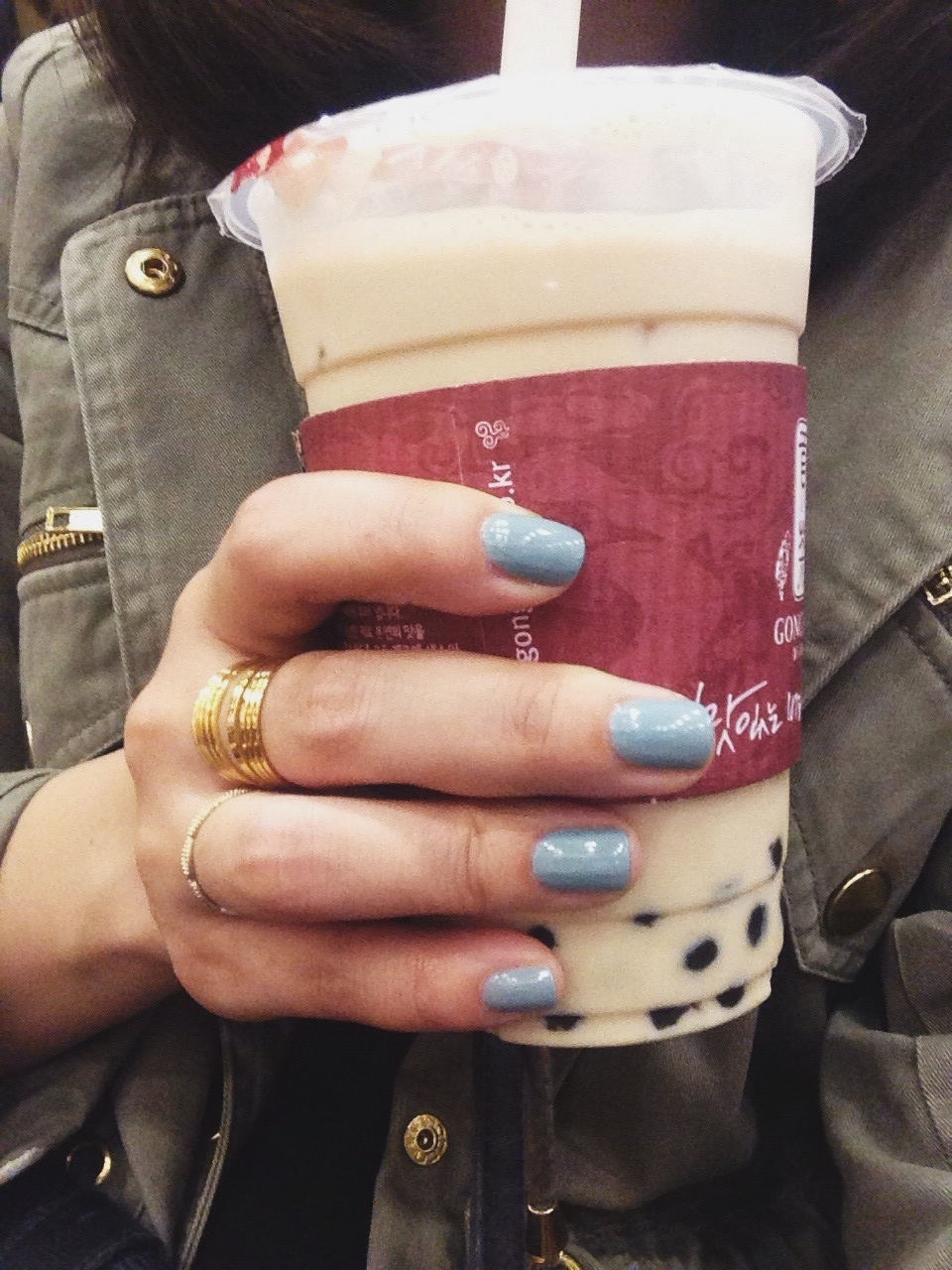 Gray blue nails + milk tea with boba