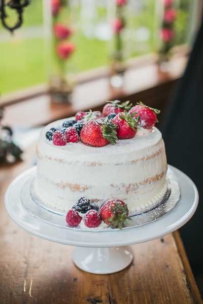 naked cake at Forest and Steam Club Bulgarian Wedding by Ness Photography Montreal wedding photographer- Reception-7.jpg