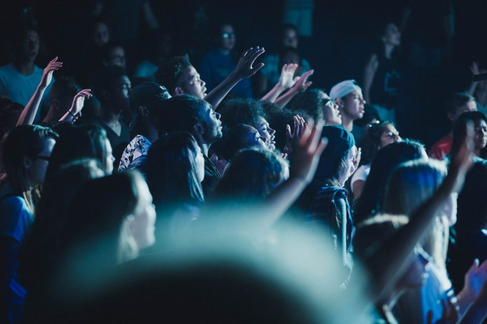 youth-worship-960x640.jpg