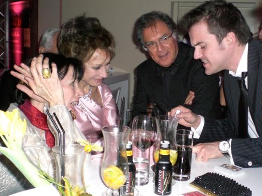 """Mit Geraldine Chaplin (links),  """"Sie sind ein Kind des Glücks!"""""""