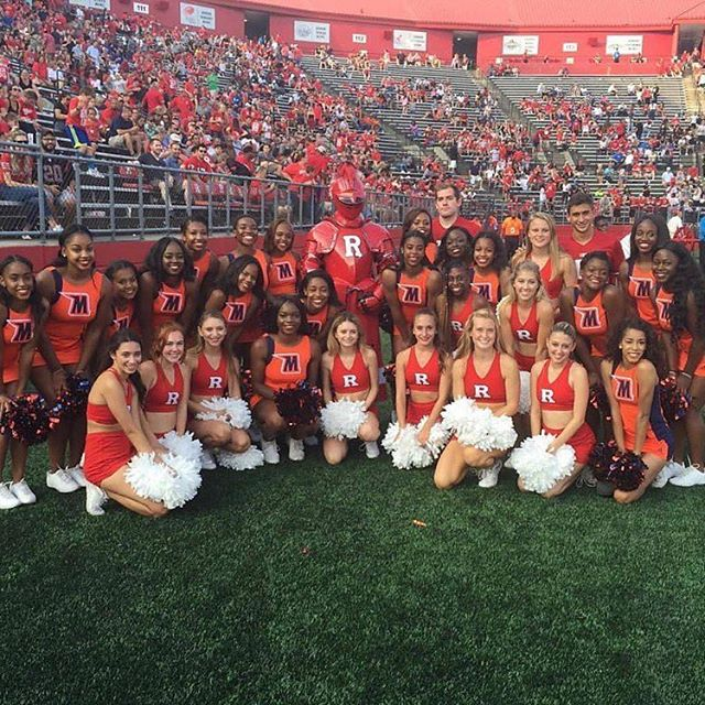 #Morgan vs #Rutgers. Cheerleaders unite!!! #YUstudentbody #WeAreYEBies
