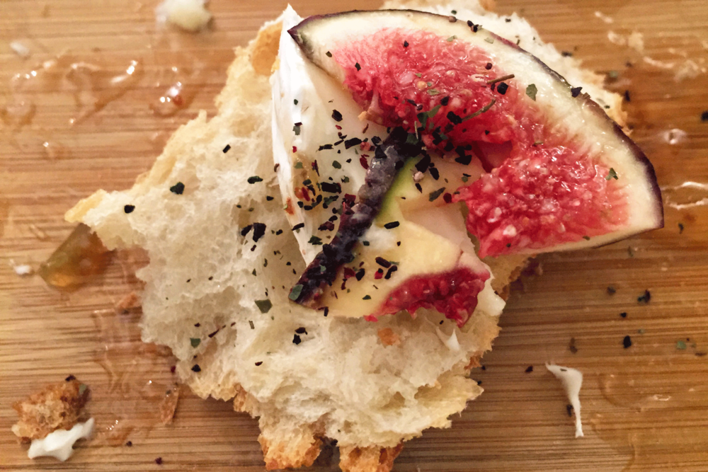 Président Brie with figs, fig jam and hibiscus powder.