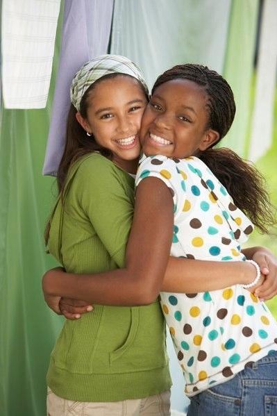 9_klein-hugging-girls-p--g.jpg