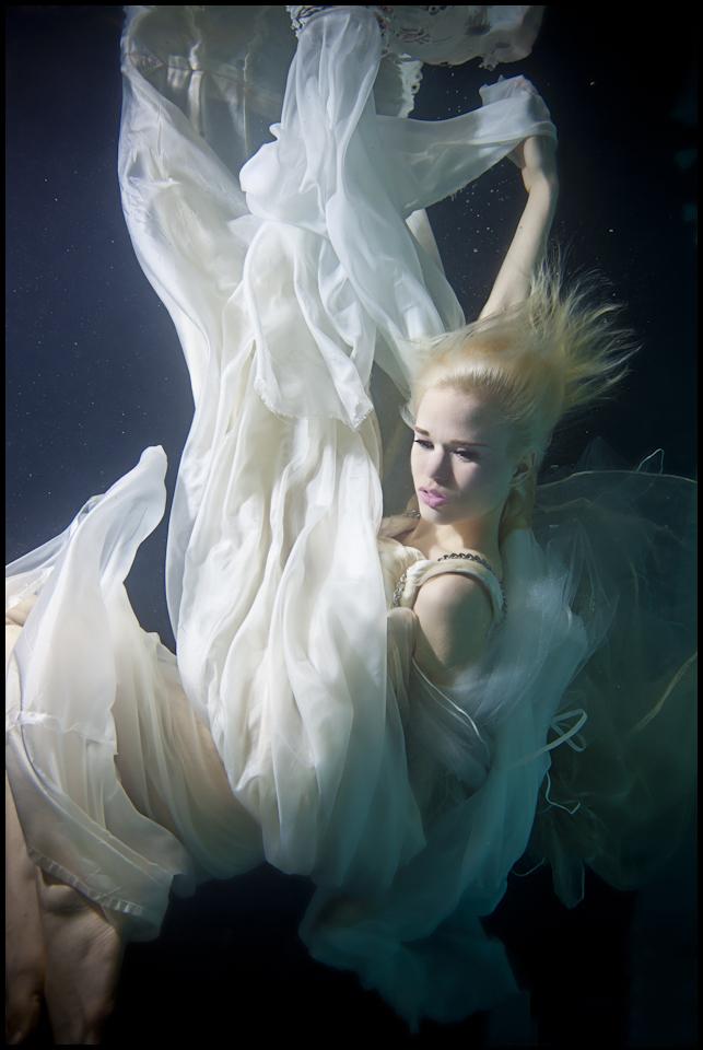 10_pool-beauty-white-2.jpg