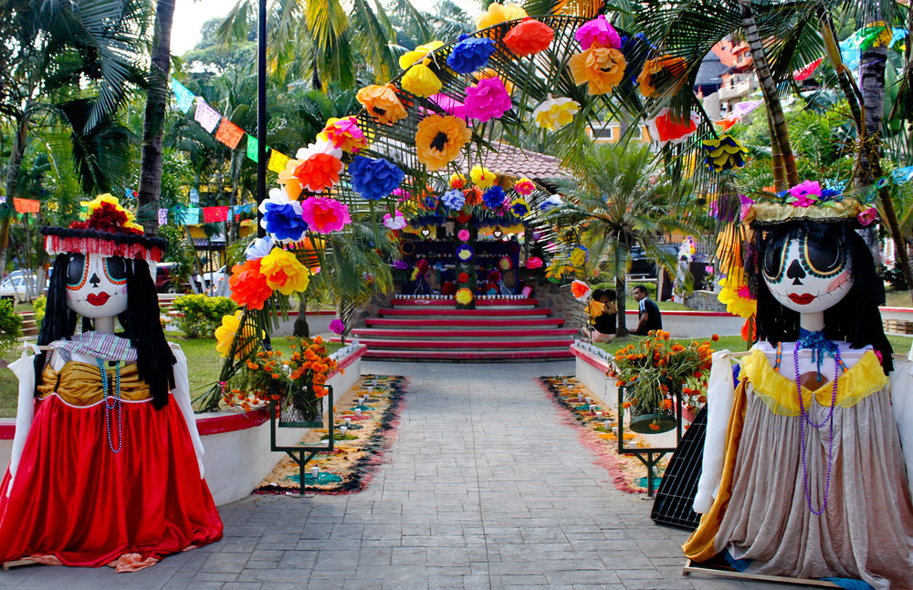 140-Sayulita-festival-display.jpg